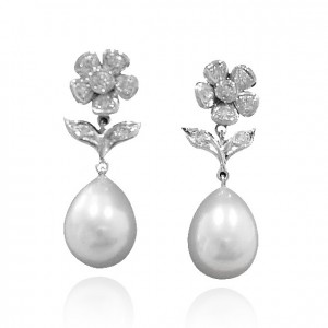 Freshwater pearl earrings with diamonds set in 18K white gold