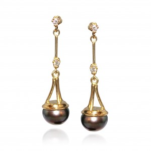 Black pearl and diamond earrings mounted in 18K yellow gold