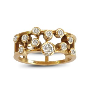 An 18k yellow gold ring with 0.50 carats of diamonds