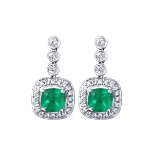 Emerald and diamond earrings in 18K White Gold